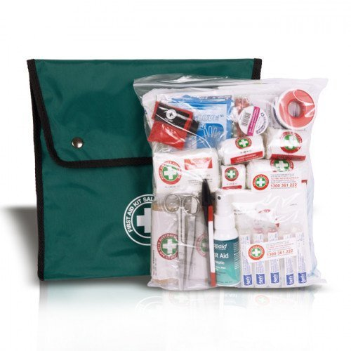 K210-off-road-first-aid-kit-GREEN-closed-1-500×500